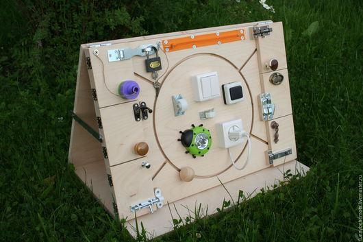 Развивающие игрушки ручной работы. Ярмарка Мастеров - ручная работа. Купить Бизиборд развивающая доска Монтессори. Handmade. Бизиборд