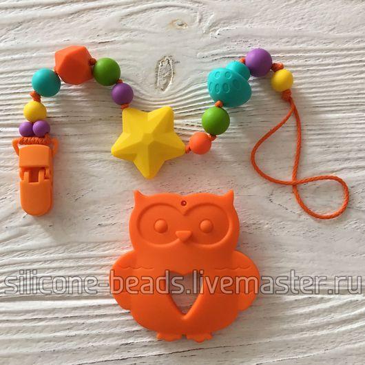 """Развивающие игрушки ручной работы. Ярмарка Мастеров - ручная работа. Купить Яркая игрушка-грызунок """"Совушка"""" на клипсе (пищевой силикон). Handmade."""