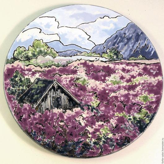 Тарелка декоративная Домик в горах. Глазури
