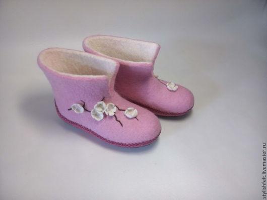 """Обувь ручной работы. Ярмарка Мастеров - ручная работа. Купить """"Сакура"""". Handmade. Розовый, вишневый цвет, шерсть для валяния, полиуретан"""
