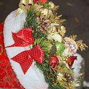 Цветы и флористика ручной работы. Ярмарка Мастеров - ручная работа Колпак Санты ............букет из конфет. Handmade.