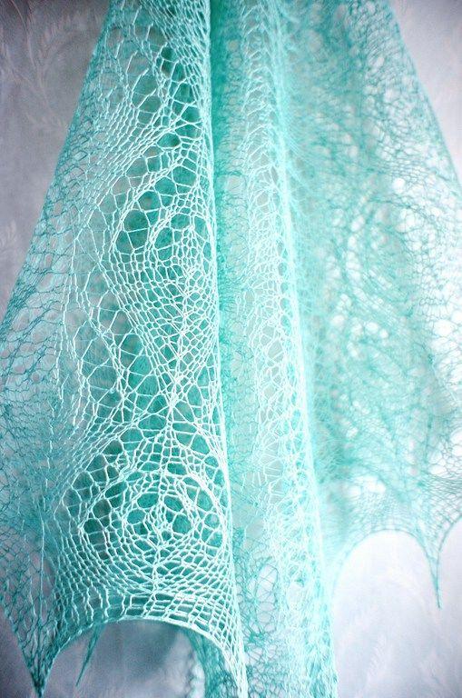 Вязаная ажурная треугольная льняная шаль мятного цвета, Шали, Ногинск,  Фото №1