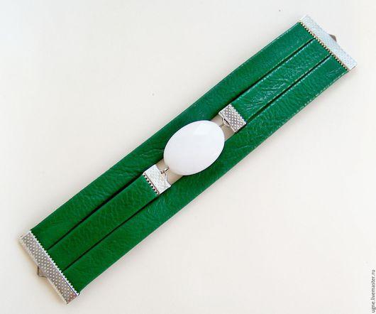 Браслеты ручной работы. Ярмарка Мастеров - ручная работа. Купить Браслет амулет из кожи по знаку зодиака темно-зеленый. Handmade.