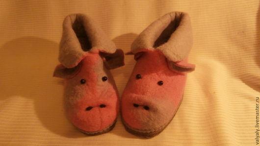 """Обувь ручной работы. Ярмарка Мастеров - ручная работа. Купить домашние валеночки """"хрюша Нюша"""" сделаю на заказ. Handmade."""
