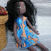 Куклы и игрушки ручной работы. Ярмарка Мастеров - ручная работа Текстильная кукла негритянка. Игровая кукла в голубом платье.. Handmade.
