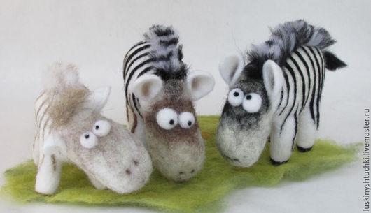 """Игрушки животные, ручной работы. Ярмарка Мастеров - ручная работа. Купить зебра игрушка из шерсти """"Полосатый"""". Handmade. Чёрно-белый"""