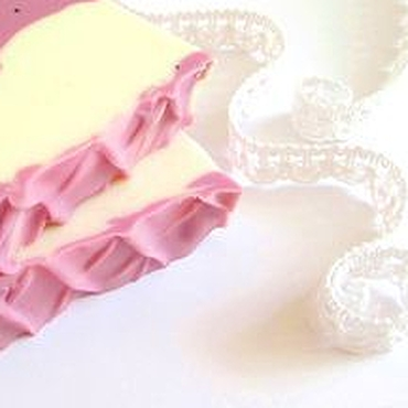 Косметика ручной работы. Ярмарка Мастеров - ручная работа Сочная смородина Натуральное мыло Подарок женщине девушке. Handmade.