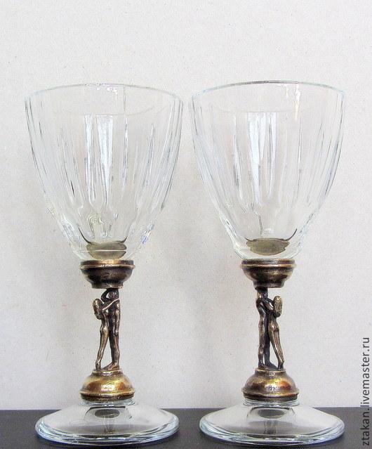 Модель рюмок `Двое` со стекл. рюмками пр-ва Турция. Высота около 12 см, диаметр 5 см, вместимость - 50 мл.