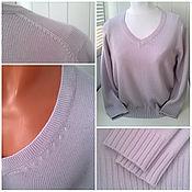 Пуловер с V-образным вырезом и скошенным плечом