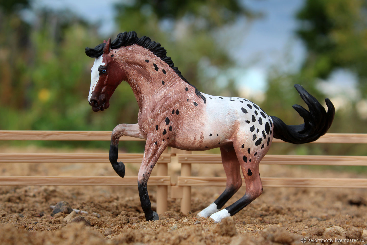 The stallion Elvis, the figure of a horse, repainted