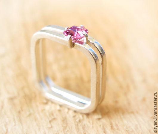 Кольца ручной работы. Ярмарка Мастеров - ручная работа. Купить Квадратное кольцо, турмалин,серебро. Handmade. Белый, кольцо с камнем