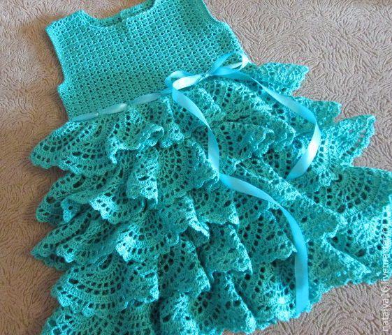 Платье крючком для девочки воланами