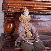 Куклы и игрушки ручной работы. Ярмарка Мастеров - ручная работа Коллекционная кукла Пьеро в оттенках капучино подвижная кукла. Handmade.