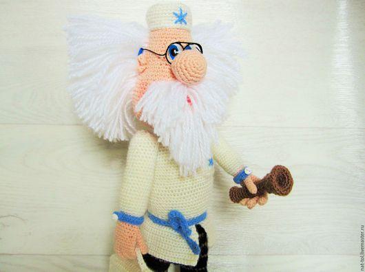 Человечки ручной работы. Ярмарка Мастеров - ручная работа. Купить Вязаная  игрушка  доктор Айболит белая с голубой снежинкой. Handmade.