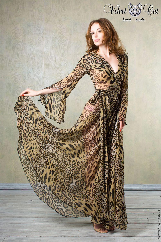 Платье халат с капюшоном