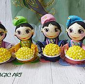 Народная кукла ручной работы. Ярмарка Мастеров - ручная работа Сувенирная кукла в национальном костюме. Handmade.
