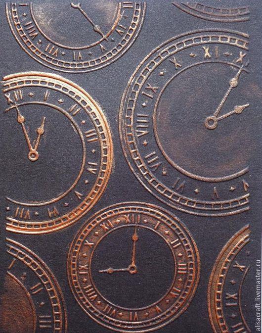 `Шоколад` - темно-коричневый перламутровый кардсток. Плотность - 300 г. Цена за А4 = 27 руб. На фото - пример качества тиснения и тонирования.