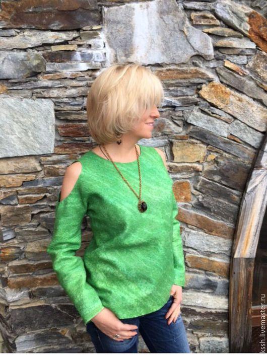 """Кофты и свитера ручной работы. Ярмарка Мастеров - ручная работа. Купить Джемпер с открытыми плечами валяный """"Апрель"""". Handmade. Зеленый"""