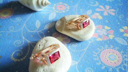 """Серьги ручной работы. Ярмарка Мастеров - ручная работа. Купить Серьги """"Помню о тебе"""" голдфилд с рубинами- кристаллы Сваровски. Handmade."""