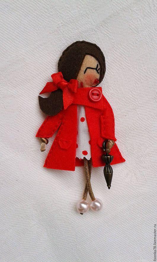 Броши ручной работы. Ярмарка Мастеров - ручная работа. Купить Брошь-куколка из фетра. Handmade. Ярко-красный, стильные броши