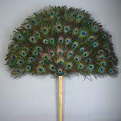 Подарки к праздникам ручной работы. Ярмарка Мастеров - ручная работа Опахало из перьев павлина. Handmade.