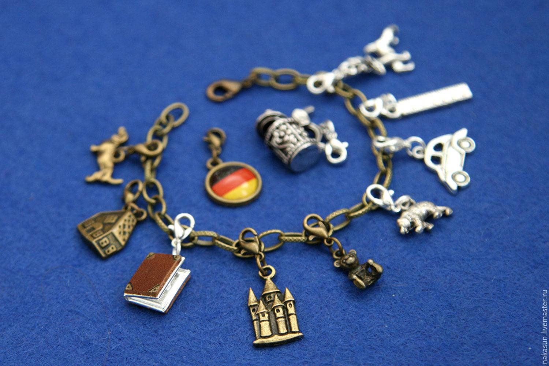 Браслет Германия (11 кулонов)