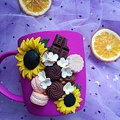Кружки ручной работы. Ярмарка Мастеров - ручная работа Кружки: сладости в подсолнухах. Handmade.