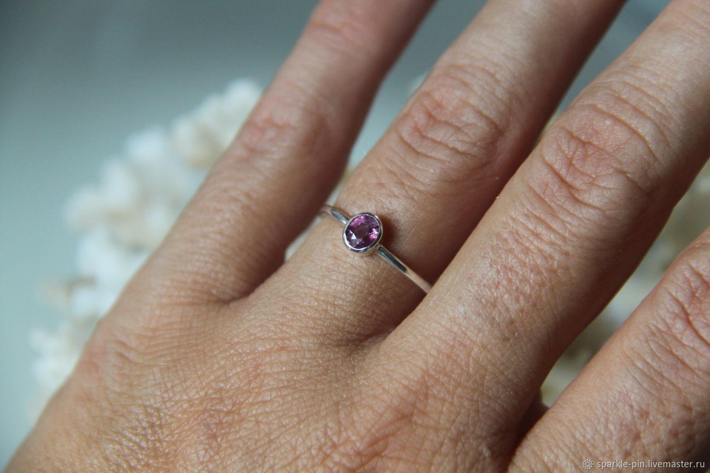 Кольцо с розовым сапфиром овальной формы (р-ры 15,5 и 18), Кольца, Москва, Фото №1