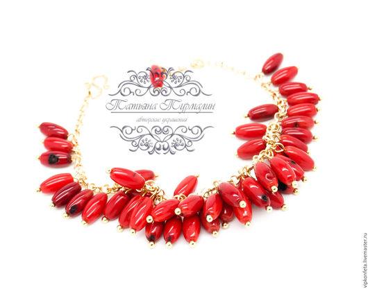 Браслеты ручной работы. Ярмарка Мастеров - ручная работа. Купить Красный позолоченный браслет из натурального коралла на цепочке. Handmade.