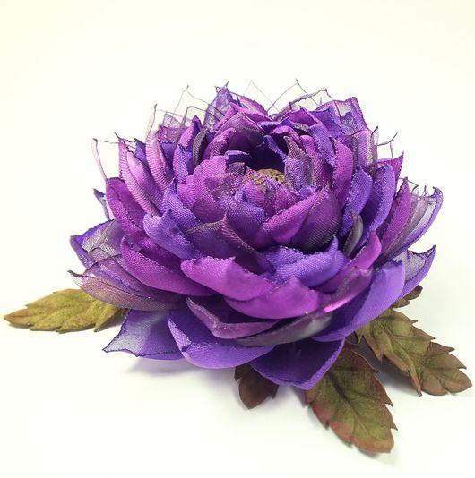 Броши ручной работы. Ярмарка Мастеров - ручная работа. Купить Лотос Фиолетовой Долины. Брошь - цветок из ткани и натуральной кожи. Handmade.