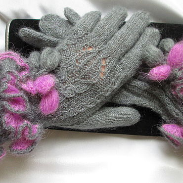 Accessories handmade. Livemaster - original item Copy of the work Gloves with double ruffle gray with purple. Handmade.