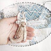 Куклы и игрушки ручной работы. Ярмарка Мастеров - ручная работа 9,5 см - мини-Монти девочка в шапочке зайки - мишка тедди. Handmade.