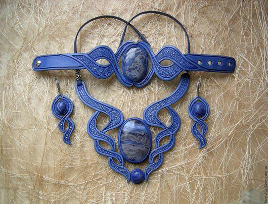 Комплекты украшений ручной работы. Ярмарка Мастеров - ручная работа. Купить Синий женственный комплект: колье, серьги, браслет из кожи. Handmade.