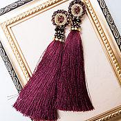 Серьги-кисти ручной работы. Ярмарка Мастеров - ручная работа Серьги с кистями винного цвета, вышивкой стразами,бусинами и трунцалом. Handmade.