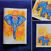 Канцелярские товары ручной работы. Ярмарка Мастеров - ручная работа Индийский слон.Обложка на паспорт с ручной росписью. Handmade.