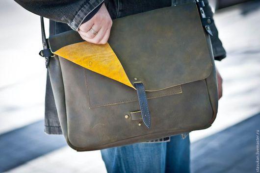 Мужские сумки ручной работы. Ярмарка Мастеров - ручная работа. Купить Мужской кожаный портфель, мессенджер цвета хаки. Handmade.