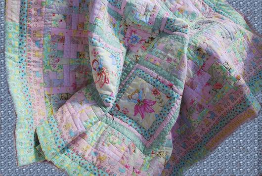 Пледы и одеяла ручной работы. Ярмарка Мастеров - ручная работа. Купить Детское лоскутное одеяло с феями для Алисы (10). Handmade.