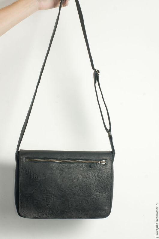Мужские сумки ручной работы. Ярмарка Мастеров - ручная работа. Купить Сумка мужская черная из натуральной кожи. Handmade. Черный