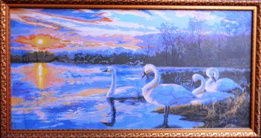 """Животные ручной работы. Ярмарка Мастеров - ручная работа. Купить вышитая картина крестиком """"Закат - лебеди"""". Handmade. Комбинированный, лебеди"""