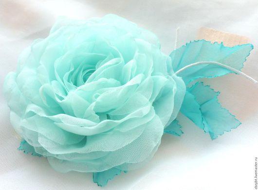 """Броши ручной работы. Ярмарка Мастеров - ручная работа. Купить Цветы из ткани. Брошь """"Бирюзовая"""". Handmade. Бирюзовый, брошь роза"""