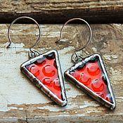 """Украшения ручной работы. Ярмарка Мастеров - ручная работа Серьги """"Красный треугольник"""" стекло. Handmade."""
