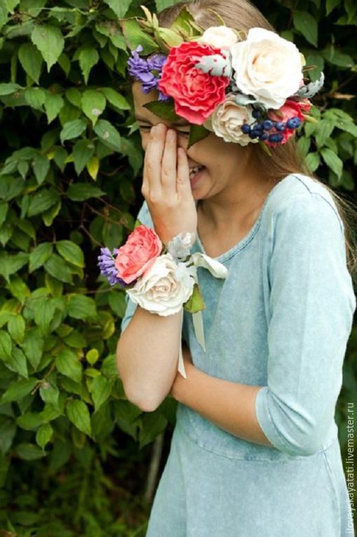 Диадемы, обручи ручной работы. Ярмарка Мастеров - ручная работа. Купить Венок на голову с розами. Handmade. Разноцветный, ревелюр