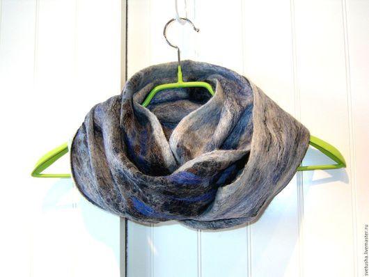 """Шарфы и шарфики ручной работы. Ярмарка Мастеров - ручная работа. Купить Снуд мужской валяный шарф унисекс """"Любимчик)""""  мужской войлочный шарф. Handmade."""