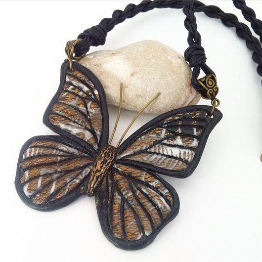 Кулоны, подвески ручной работы. Ярмарка Мастеров - ручная работа. Купить Кулон с бабочкой из полимерной глины МОЙ ПОЛЕТ. Handmade.