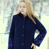 """Одежда ручной работы. Ярмарка Мастеров - ручная работа Теплое пальто """"Королевская накидка с синим бисером"""". Handmade."""
