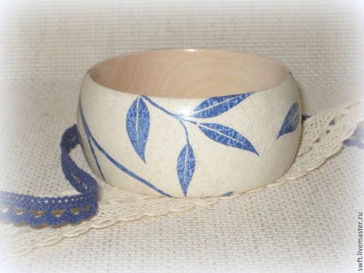Деревянный браслет, голубой браслет синий красивый бежевый женский недорогой деревянный браслет  подарок что подарить девушке женщине сестре подруге маме жене на 8 марта день рождения дерево джинс