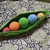"""Куклы и игрушки ручной работы. Ярмарка Мастеров - ручная работа Развивающая игрушка """"Зеленый горошек"""". Handmade."""