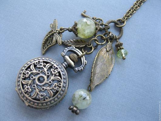 Часы ручной работы. Ярмарка Мастеров - ручная работа. Купить Часы кулон натуральный зеленый пренит.. Handmade. Часы