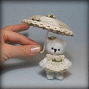 Куклы и игрушки ручной работы. Ярмарка Мастеров - ручная работа мишка с зонтиком. Handmade.