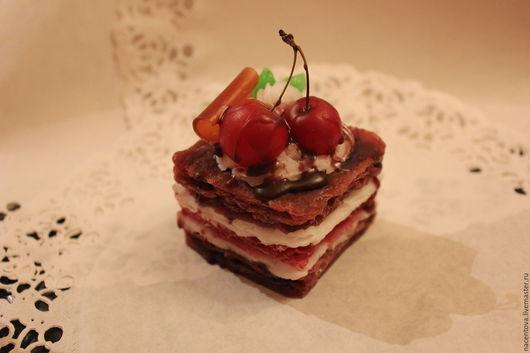 """Мыло ручной работы. Ярмарка Мастеров - ручная работа. Купить Мыло """"Шоколадно-вишневое пирожное"""". Handmade. Мыло пирожное"""